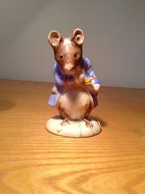 Royal Albert Beatrix Potter Figure GENTLEMAN MOUSE MADE A BOW Excellent