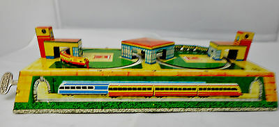 Tinplate Clockwork Two Track Train Set - Thought to be Technofix See Key (2833)