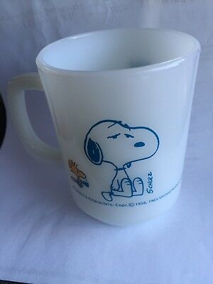 Vintage Peanuts Snoopy 1965 Anchor Hocking Coffee Break Mug Cup Fire King