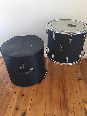 "18"" Remo USA made Floor Tom and Hard case"