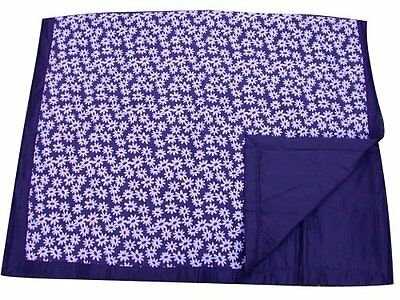 Tuffo Water-Resistant Outdoor Blanket, Daisy, Navy Blue