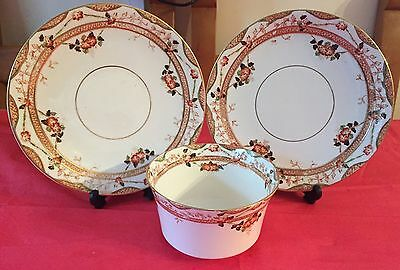 Vintage Sutherland Pot And Two Plates