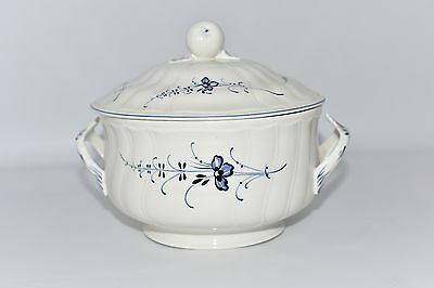 Villeroy & Boch Vieux Luxembourg Blue & White 20cm Service Bowl with Ornate lid
