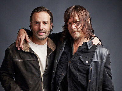 Andrew Lincoln and Norman Reedus UNSIGNED photo - H3514 - The Walking Dead stars