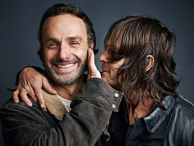Andrew Lincoln and Norman Reedus UNSIGNED photo - H3519 - The Walking Dead stars