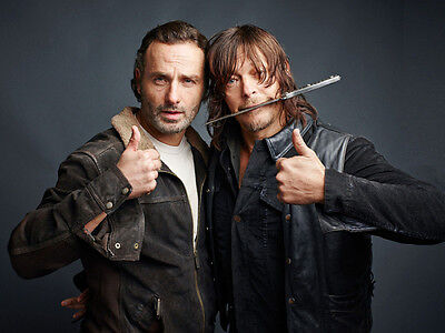 Andrew Lincoln and Norman Reedus UNSIGNED photo - H3521 - The Walking Dead stars