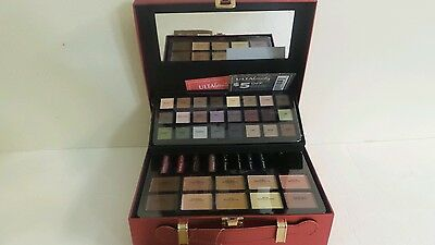 ULTA BEAUTY 75 pc MAKEUP KIT Gift of Gorgeous Holiday 2016 Collection $200 Red
