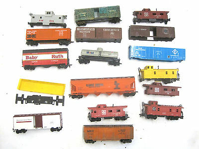 Lot of 17 different HO Scale Railroad Train Cars