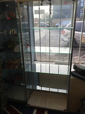 Glass Retail Display Cabinet    4 Glass Shelves