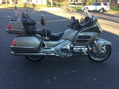 2002 Honda Gold Wing  2002 Gold Wing Motorcycle 1800  Very clean, great condition.