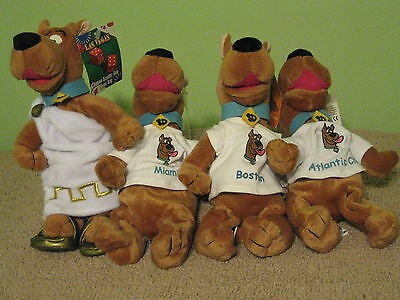 Warner Brothers Studio Stores Exclusive Lot Of 4 Scooby Vacation Bean Bags NWT