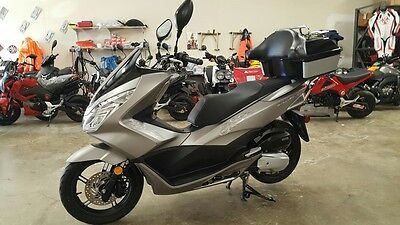2016 Honda PCX-150  2016 Honda PCX-150G Scooter with only 1100 miles!!!