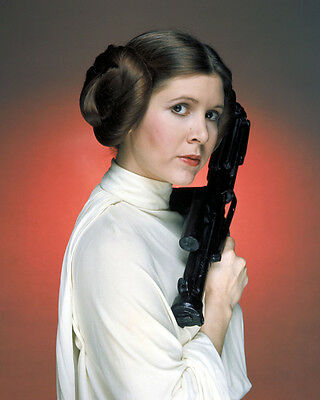Carrie Fisher UNSIGNED photo - H3805 - Princess Leia - Star Wars