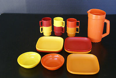 14 pcs of Vintage Tupperware Childrens Toy Play Pitcher Plates Bowls Cups 1970's
