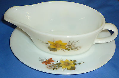 Vintage Retro PYREX Autumn Glory Sauceboat /  Gravy with Stand Dish