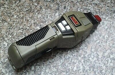 Star Trek The Next Generation Type II phaser playset playmates 1995