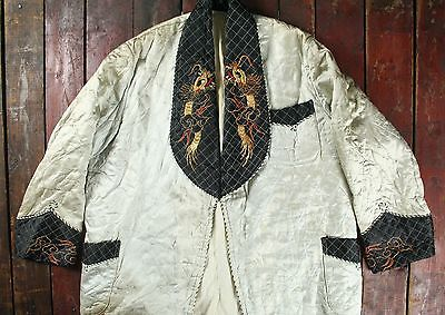 VTG 50s JAPANESE WHITE BLACK SATIN QUILTED SOUVENIR SMOKING NIGHT ROBE GOWN M/L