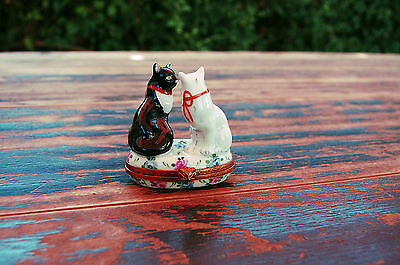 Vintage PEINT MAIN France Cat Pair Limoges (Haviland/Bernardaud/Halcyon Days)