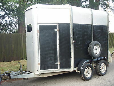 I for Williams HB505R double horse trailer/box take a look