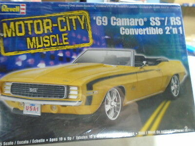 Vintage  1969 Camaro Ss/rs Convertible  2 In 1    1/25 Car Model Kit