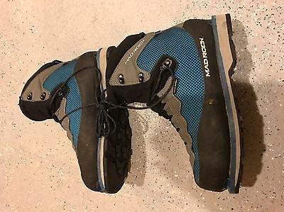Mad Rock Ice Climbing Boots (men's 9.5US , Euro 42.5)