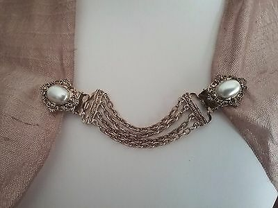Vintage bronze and pearl collar/shirt/scarf clips