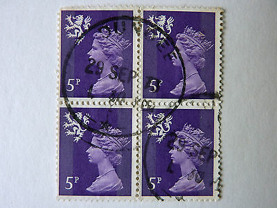 730] - GB STAMPS - BLOCK OF FOUR 5p USED SCOTLAND STAMPS - S20 - MNH - 1971 - 82