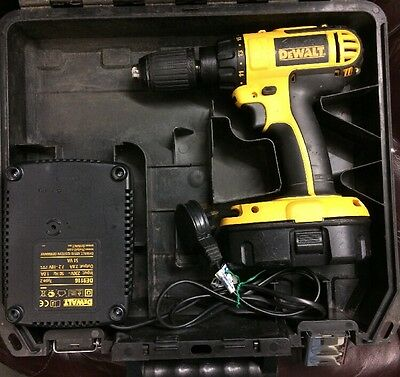 Dewalt Dc725 18V Cordless Combi Hammer Drill With Charger & Case