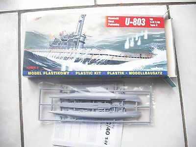 maquette 1/400 Sous-marin u-803 marque mirage hobby