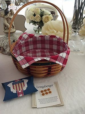 2002 Longaberger All American Casserole Basket Combo NEW and tie on plaid liner
