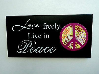 """Wooden decorating plates """"Love freely Live in Peace"""""""