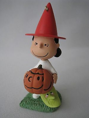 Hallmark Ornament Halloween The Peanuts Gang Lucy O' Lantern 2012