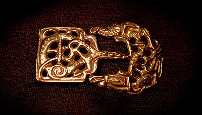 Belt buckle with integral tongue - VB29 buckle