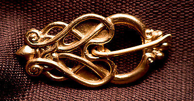 Viking Belt Buckle with Openwork Knots - VB11