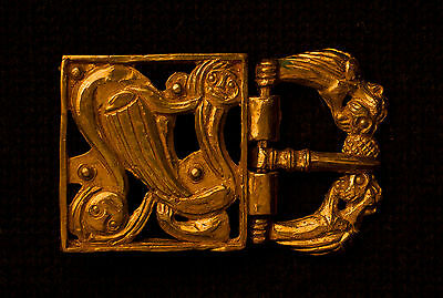 Norman belt buckle with swan - W25