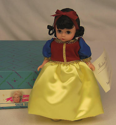 """Madame Alexander Kins Brothers Grimm SNOW WHITE #14545 Wendy 8"""" Doll MINT in BOX"""
