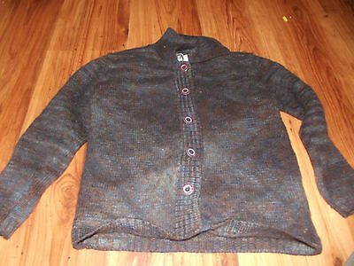 Levis Silvertab 100% Wool Gray color.Kids SMALL or 5-6.Button up cardigan.  EUC