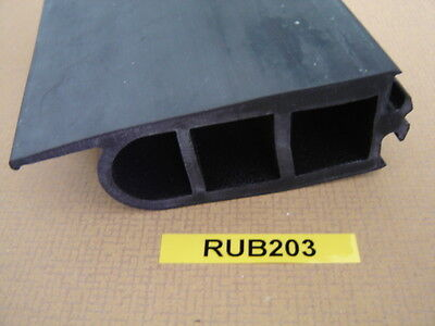 Bus Door Part - Lipped Nosing Rubber 2.1 Meters - Deans - Rub203