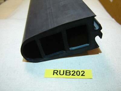 Bus Door Part - Deans Plain Nosing Rubber 2.1Mtr - Rub202