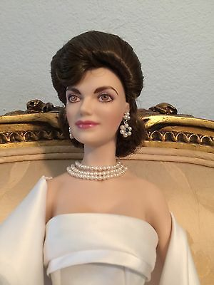 Franklin Mint Porcelain Jackie Kennedy Doll Very Ltd Ed Signed By Oleg Cassini!