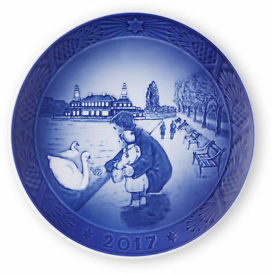 """ROYAL COPENHAGEN 2017 Christmas Plate """"By the Lakes"""" - New in Box"""