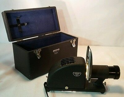 Mint VTG 1930's ARGUS PA 100 SLIDE 2x2 PHOTO FILM PROJECTOR 35MM USA, w/tag
