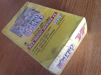 UNOPENED Box Pro Set 1990 Series 2 NFL American Football TRADING CARDS