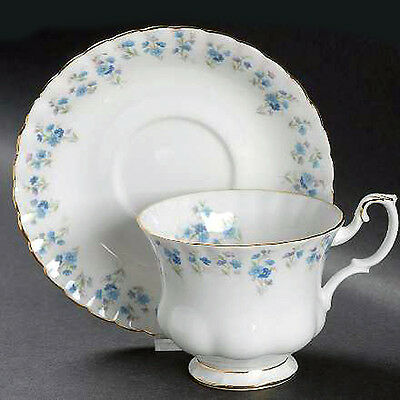 MEMORY LANE Royal Albert Demi Tasse Cup & Saucer NEW NEVER USED made in England