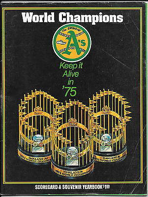 Vintage 1975 OAKLAND Athletics A's Baseball YEARBOOK Media Guide ROSTER Addition