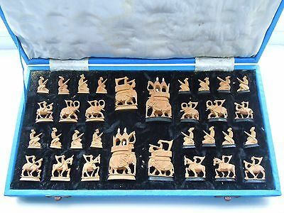 ANTIQUE 1920s ANGLO-INDIAN SANDALWOOD & EBONY CHESS SET COMPLETE