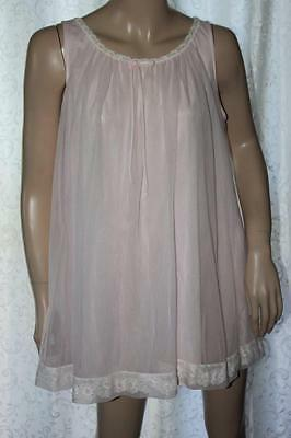 Vintage Gaymode Pink Nylon & Chiffon Nightgown w/Floral Lace Trim - Small (4581)
