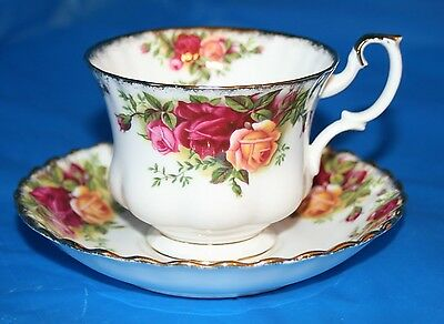 Royal Albert Fine Bone China Tea Cup Saucer England Old Country Roses