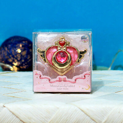 """NEW / Sailor Moon Miniaturely Tablet (Set 1) - 2"""" Crisis Heart Compact + Candy"""