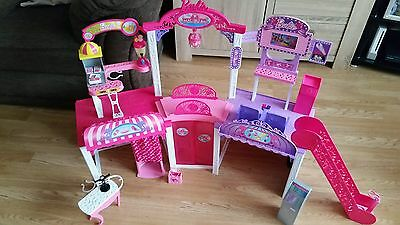 Barbie Malibu Shopping Mall Playset with extras new see other